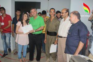 مكتب المرأة والشباب لحزب يكيتي الكردي (فرع غربي قامشلو) يقوم بتخريج دفعة من طلاب اللغة الكردية