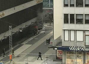 ثلاثة قتلى وعدد مــن جرحى بعملية دهس وسط العاصمة السويدية ستوكهولم